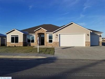 Kennewick Single Family Home For Sale: 3244 S Palouse St.