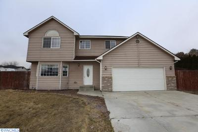 Benton City Single Family Home For Sale: 1108 Odin Ave
