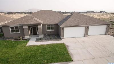 West Richland Single Family Home For Sale: 6900 Argos Street