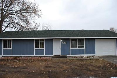 Benton City Single Family Home For Sale: 1204 Grace Ave