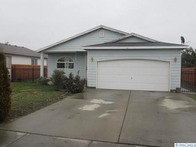 Prosser Single Family Home For Sale: 306 Casi Court