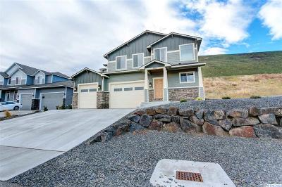 West Richland Single Family Home For Sale: 5905 Velonia Dr