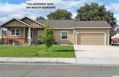 West Richland Single Family Home For Sale: 5202 Desert Dove Loop