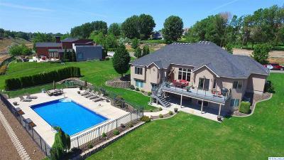 Kennewick Single Family Home For Sale: 227 Kristen Lane