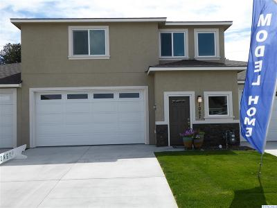 Kennewick Condo/Townhouse For Sale: 1057 S Delaware St