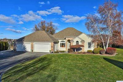 West Richland Single Family Home For Sale: 3490 Eastlake Drive