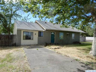 Kennewick Single Family Home For Sale: 250 S Verbena St