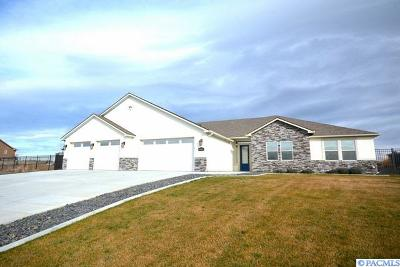 Kennewick Single Family Home For Sale: 86612 Summit View Dr.