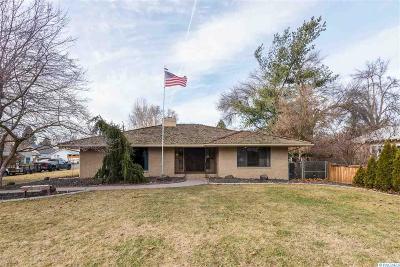 Prosser Single Family Home For Sale: 1104 Spokane Avenue