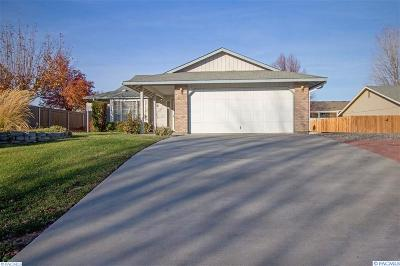 West Richland Single Family Home For Sale: 5322 Phoebe Lane