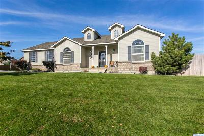 Canyon Lakes Villas, Canyon Lk, Canyon Lk 20, Canyon Lk1, Canyon Lk2, Canyon Lk9 Single Family Home For Sale: 3219 Canyon Lakes Dr