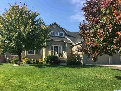 West Richland Single Family Home For Sale: 4921 Milky Way Dr.