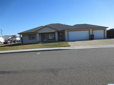 Pasco Single Family Home For Sale: 6305 Westminister Lane