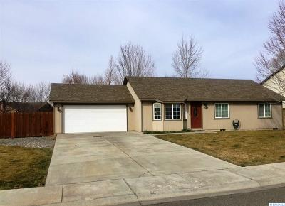 West Richland Single Family Home For Sale: 5514 Holly Way