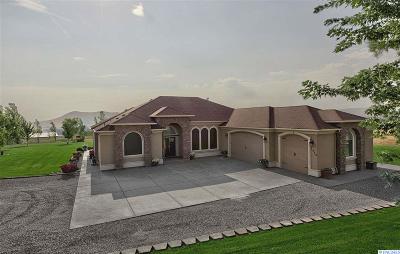 Benton County Single Family Home For Sale: 1412 W 682 Pr NW
