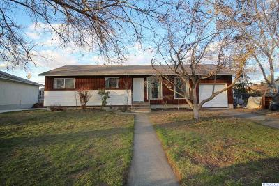 Richland WA Single Family Home For Sale: $180,000