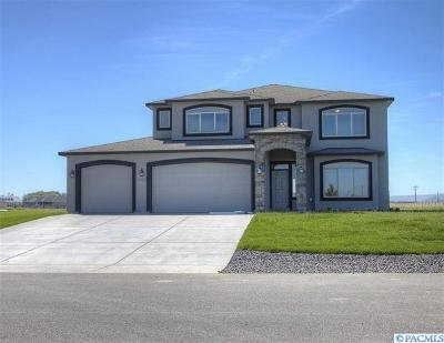 Pasco Single Family Home For Sale: 11516 Woodsman