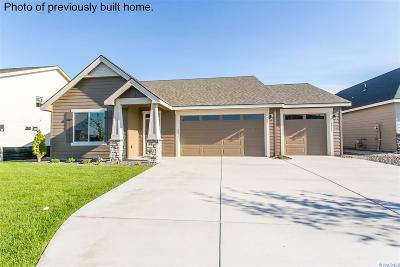 Pasco Single Family Home For Sale: 5112 Tigue Ct