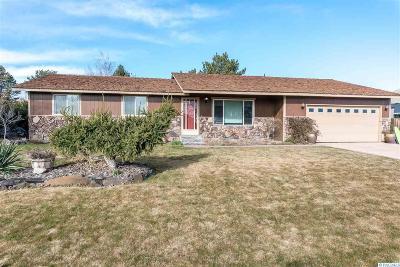 Kennewick Single Family Home For Sale: 112 Travis Lane