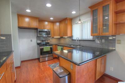 Kennewick Single Family Home For Sale: 402 N Georgia St