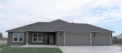 Pasco Single Family Home For Sale: 12302 Blackfoot Dr.