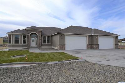 Pasco Single Family Home For Sale: 2206 Road 72