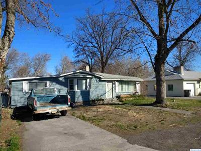 Kennewick Single Family Home For Sale: 7304 W Arrowhead Ave