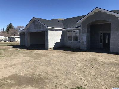 Pasco Single Family Home For Sale: 1113 Road 40