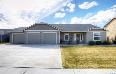 West Richland Single Family Home For Sale: 5143 Chris St