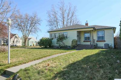Kennewick Single Family Home For Sale: 1223 W Bruneau