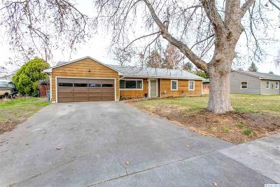 Richland WA Single Family Home For Sale: $199,900