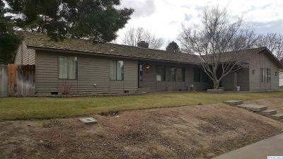 Kennewick Single Family Home For Sale: 3807 W 17th Ave