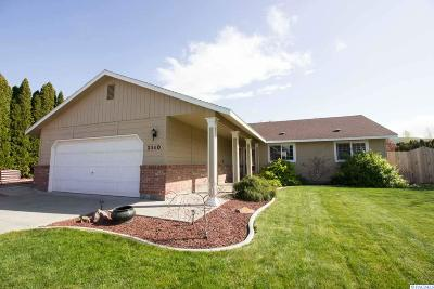 West Richland Single Family Home For Sale: 2340 Hummingbird Ln