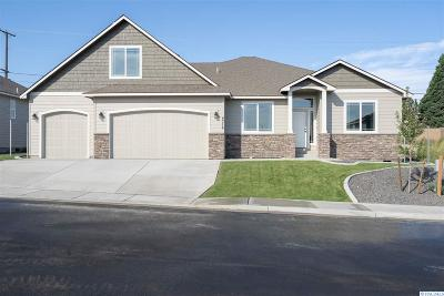 Kennewick Single Family Home For Sale: 4316 S Dennis Court
