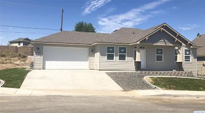 Kennewick Single Family Home For Sale: 4328 S Dennis Court