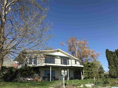 Benton City Single Family Home For Sale: 4206 E Corral Creek Rd