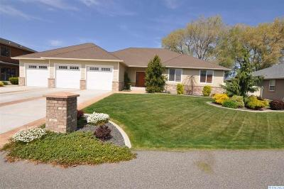 Pasco Single Family Home For Sale: 6711 Olivia Ct.