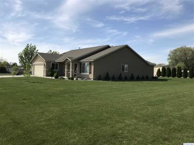 Pasco Single Family Home For Sale: 3921 Quail Rd