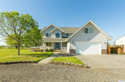Kennewick Single Family Home For Sale: 207312 E Terril Rd.