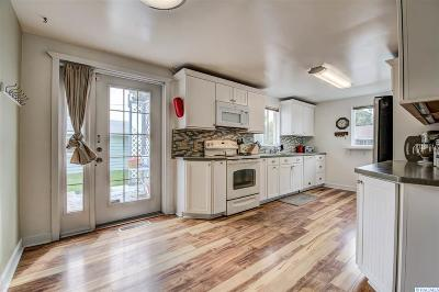 Franklin County Single Family Home For Sale: 1703 N 16th Ave