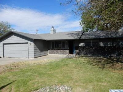 Kennewick Single Family Home For Sale: 1523 S Garfield Place