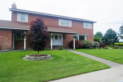Pasco Single Family Home For Sale: 4606 Desert Plateau Dr.