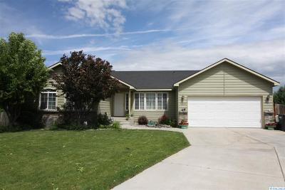 West Richland Single Family Home For Sale: 5000 Milky Way