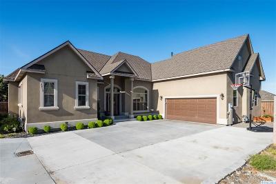 Canyon Lakes Villas, Canyon Lk, Canyon Lk 20, Canyon Lk1, Canyon Lk2, Canyon Lk9 Single Family Home For Sale: 3215 Canyon Lakes Drive