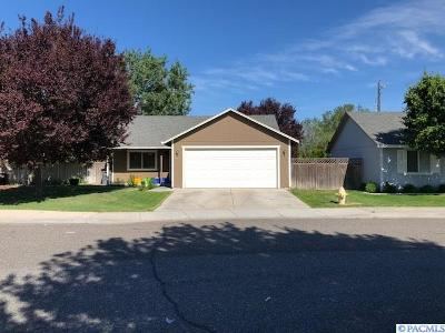Kennewick Single Family Home For Sale: 517 S Perry Ct.