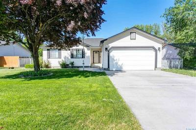 Benton City Single Family Home For Sale: 1560 NE 12th St