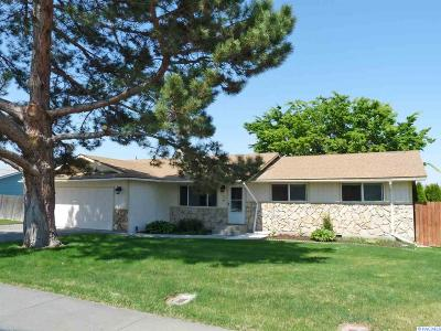 Kennewick Single Family Home For Sale: 800 W 14th Pl