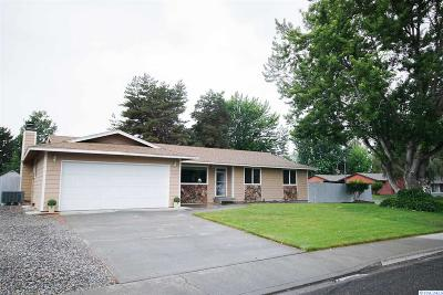 Kennewick Single Family Home For Sale: 319 N Montana Ct