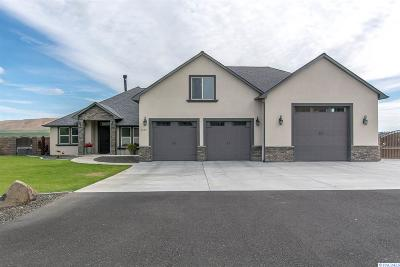 Benton County Single Family Home For Sale: 6103 S Coulee Vista Drive