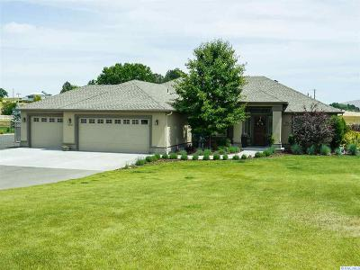 Prosser Single Family Home For Sale: 11407 Paige Lane